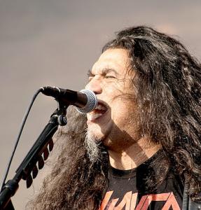 Slayer vokalisti joutui sairaalaan