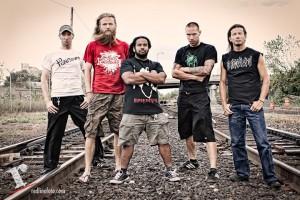 Battlecross kiinnitetty Metal Blade Recordsille