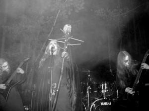 Nightbringer kiinnitetty Season Of Mist Recordsille