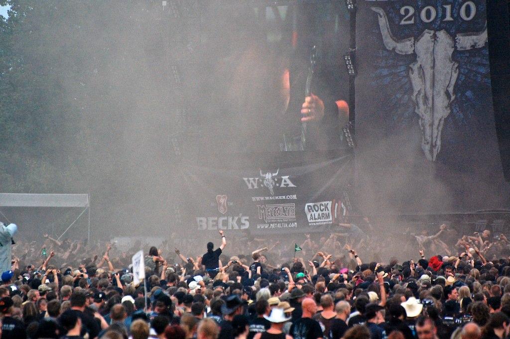 Maailman suurin metallimusiikin festivaali Wacken Open Air täyttää ensi vuonna 30-vuotta – ensimmäiset bändit julkistettu