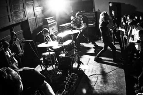 Young And In The Wayltä uusi albumi toukokuussa