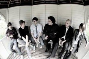 eaststrikewest albumi kuunneltavissa