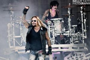 Entistä Mötley Crüe -solistia Vince Neiliä epäillään jälleen pahoinpitelystä: uhrina tällä kertaa Nicolas Cagen fani