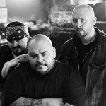 Blood For Blood vokalistia syytetään lapseen sekaantumisesta; yhtyeen ura vaakalaudalla