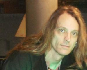 Iced Earth rumpali jätti yhtyeen