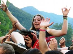 Metal Days 2013_crowdsurfin