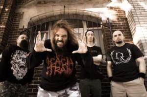 Soulflyn entinen basisti haukkuu Max Cavaleran perheen uudessa haastattelussa