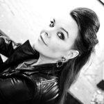 Anette Olzonilta sooloalbumi helmikuussa