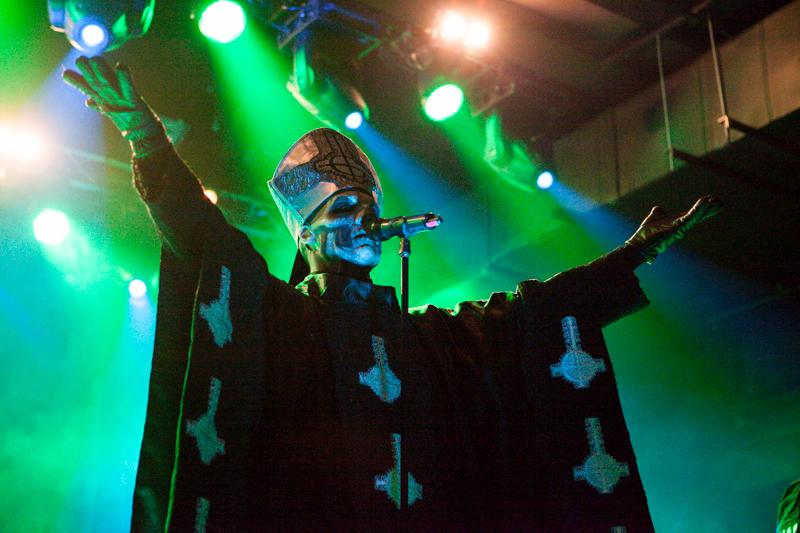 Riidan käsittely alkoi – Ghostin nokkamies vastaan bändin entiset jäsenet