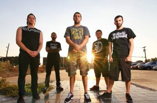 "I Declare War teki metalcore-version Stone Temple Pilotsin kappaleesta ""Dead and Bloated"""