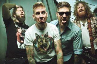 Superyhtye Giraffe Tongue Orchestra viimeistelee debyyttiään