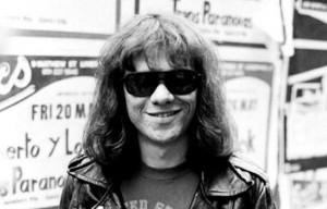 Ramonesin rumpali Tommy Ramone kuollut (1952-2014)