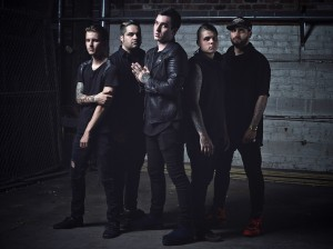 Cane Hill kiinnitetty Rise Recordsille