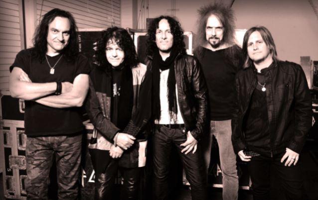 Entisten Dio-jäsenten yhtye Last In Line julkaisee debyyttinsä helmikuussa