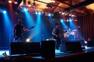 Turkulainen stonerpunk-trio Kirk Grim uuden albumin kimpussa