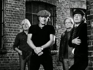 AC/DC:n konsertti on loppuunmyyty Kantolanpuistossa
