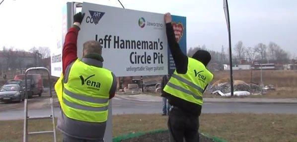 Jeff_Hanneman_traffic_circle