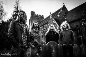 Corrosion of Conformity -rumpali ryhdistäytyi: ilmaantui keikalle omatoimisesti ja soitti hyvin