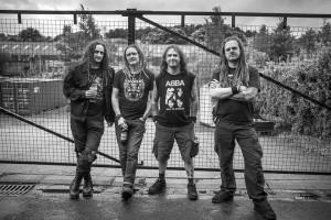 Kolme kuoli ja useita loukkaantui brittiyhtye Doomin keikalla Chilessä
