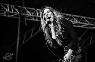 """""""Voiko rock muka kuolla? Minä en usko, että voi"""" – haastattelussa Blues Pillsin Elin Larsson"""