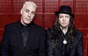 Lindemannin tuoreessa videossa metsästetään naisia verkoilla