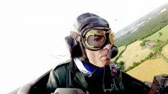 Iron Maidenin Bruce Dickinson tarjoitui lennättämään uhanalaisen kilpikonnan Espanjaan