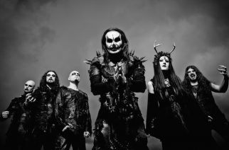 "Dani Filth Cradle Of Filthin tulevasta albumista: ""Se on yhdistelmä ""Hammer Of The Witches"" sekä ""Cruelty And The Beast"" -albumeita"""