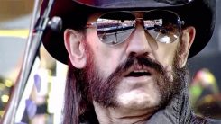 """Motörheadin Lemmy Kilmister: """"On todella harmittavaa, että he ottivat pois Philty Animalin. Olisivat ottaneet George Bushin hänen sijasta"""""""