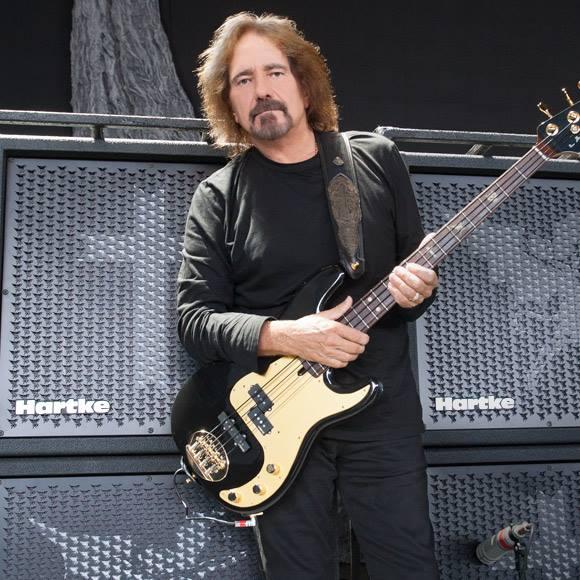 """Geezer Butler kertoo nuorena sairastamastaan masennuksesta: """"Jos Black Sabbath ei olisi menestynyt, olisin jo kuollut"""""""