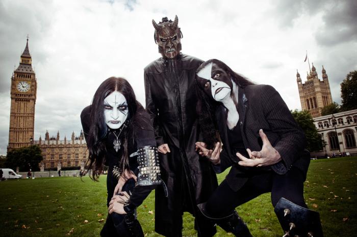 Metal Hammer vei Abbathin kiertelemään Lontoota corpse paintit naamassa