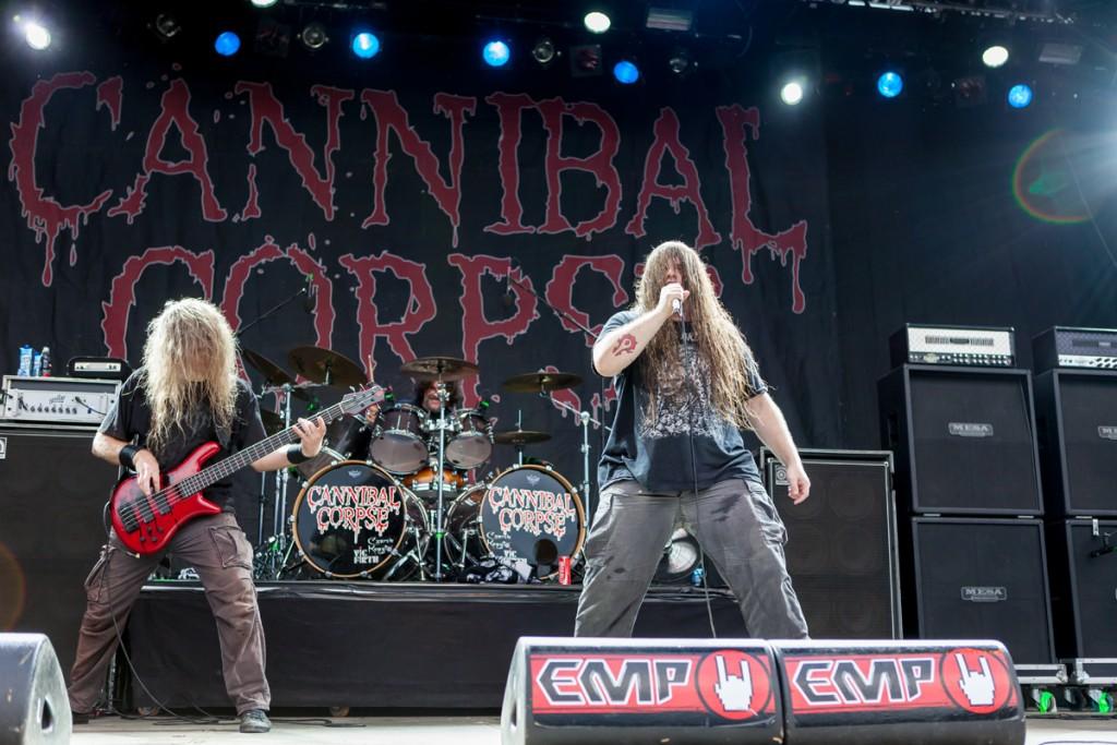 """Cannibal Corpsen Corpsegrinder keikkojen palautumisesta koronapandemian jäljiltä: """"Olisi vaikea kuvitella, että soittaisimme livenä 'Hammer Smashed Facen' ja jengi vain seisoisi zombeina paikoillaan"""""""