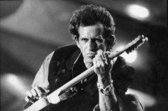 """Keith Richards lataa: """"Metallica ja Black Sabbath isoja vitsejä"""""""