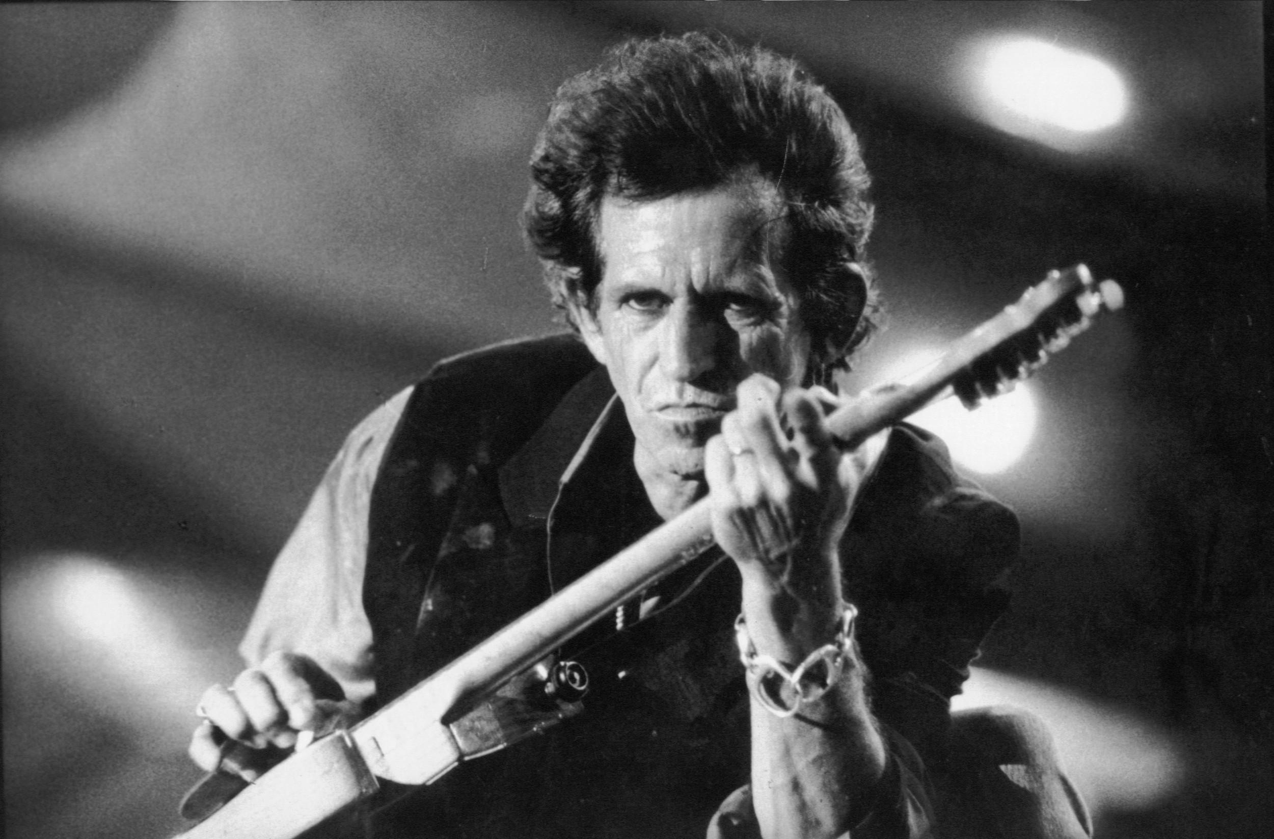 """Keith Richardsin ennenjulkaisematon coverointi """"My Babe"""" -kappaleesta kuunneltavissa lyriikkavideon muodossa"""