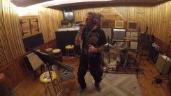 Randy Blythen laulama Metal Allegiance -kappale julkaistu musiikkivideon kanssa