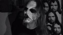"""Anssi Kela lupasi kalliin kitaran parhaalle coverille: Ohessa black metal -versio miehen kappaleesta """"Tyhmä Kuu"""""""