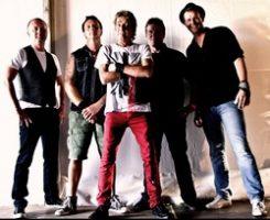 Punk- ja pubrockin pioneeriyhtye Eddie & The Hot Rods tammikuussa Tavastialle