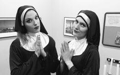 Halestormin Lzzy Hale tarttui Ghostin haasteeseen ja pukeutui nunnaksi yhtyeen keikalle