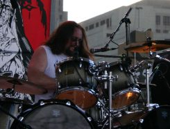 "Nunslaughter rumpali Jim ""Sadist"" Konya menehtynyt"