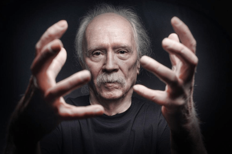 Elokuvaohjaaja John Carpenterin uusi musiikkialbumi julkaistaan huhtikuussa