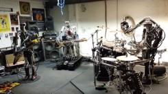 Saammeko esitellä: maailman ensimmäinen täysin roboteista koostuva heavy metal -yhtye Compressorhead