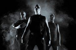 Kotimainen tunnelmoivaa black metalia soittava Isengrim julkaisee debyyttinsa marraskuussa