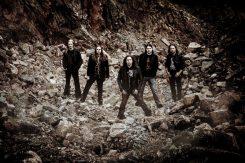 Kotimaisen raskaan rockin nimimiehistä koostuva King Company Frontiers Musicille