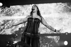 Nightwish jäämässä vuoden pituiselle tauolle ensi vuonna:  Floor Jansen kumoaa huhut yhtyeen sisäisistä riidoista