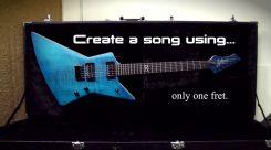 """Rob Scallon sai haasteen tehdä metallikappaleen käyttäen ainoastaan yhtä kitaran """"nauhaväliä"""": näin mies tehtävässä onnistui"""