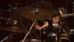 """Näin taittuu System Of A Downin """"Chop Suey"""" 5 -vuotiaalta rumpalilahjakkuudelta"""
