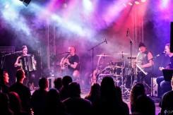 Ensiferum korkkasi akustisen kiertueensa Tampereen Klubilla