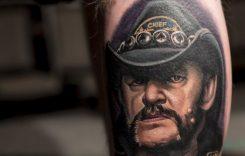Motörheadin Lemmy Kilmisterin muotokuva palkittiin parhaana tatuointina DC Tattoo Expossa