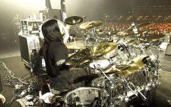 Lauantain rumpupläjäys: katso videoita Arch Enemyn Daniel Erlandssonista tositoimissa bändin keikalla Saksassa