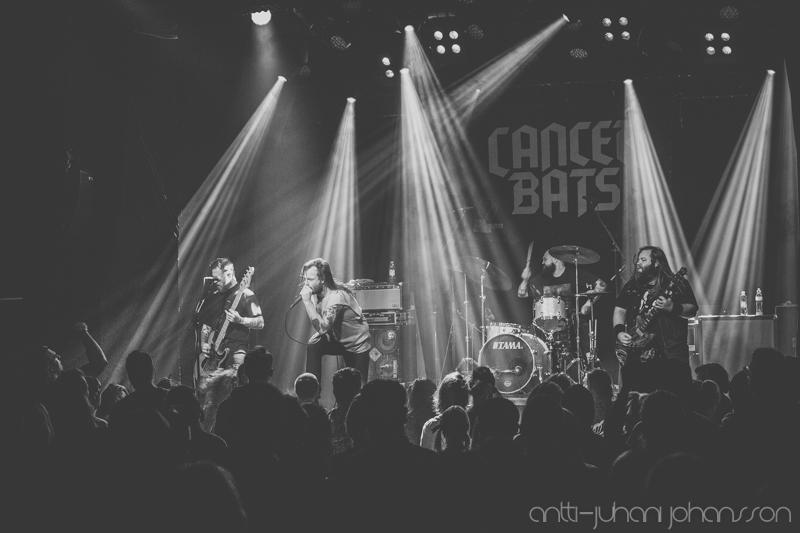 Cancer Batsin ja kitaristi Scott Middletonin tiet eroavat