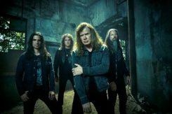 """Megadethin basisti hehkuttaa yhtyeen kanssa keikkailevaa Soilworkin Dirk Verbeurenia: """"Maailmanluokan rumpali"""""""